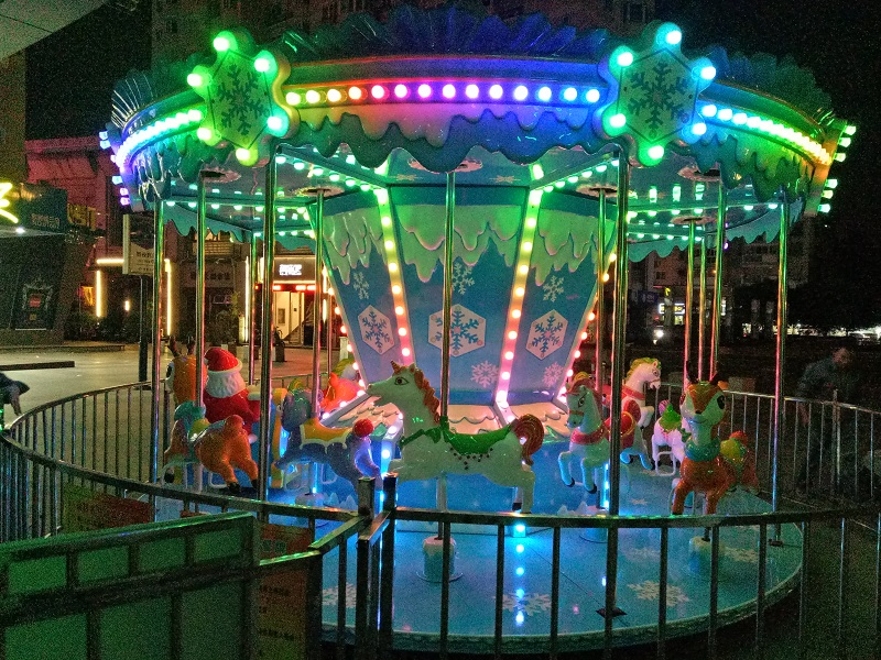 Amusement Park Ride Snow carousel luxury Carnival Rides Merry Go Round Game For Sale
