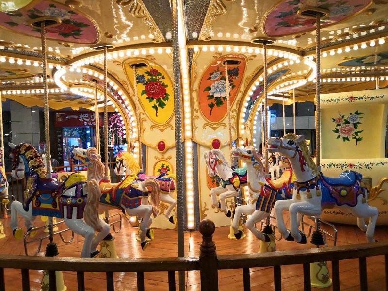 Art carousel